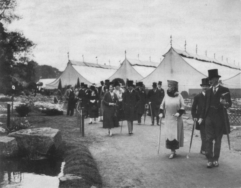 Chelsea Flowers Show circa 1910