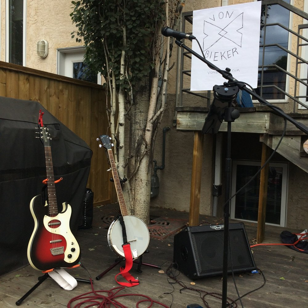 My Danelectro stands at the ready at a recent backyard block party.