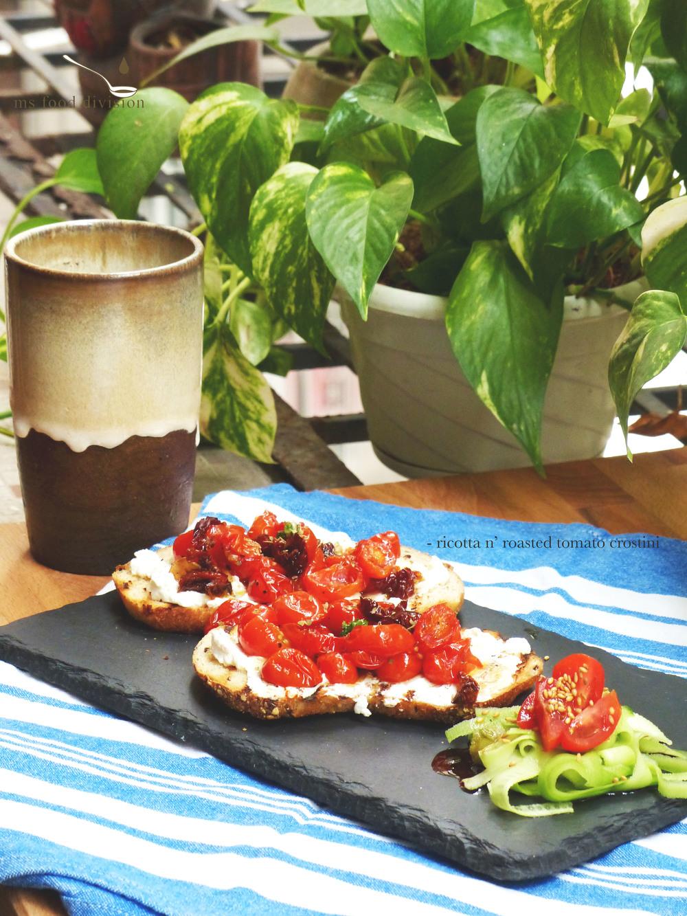 ricotta-tomato-crostini3.jpg