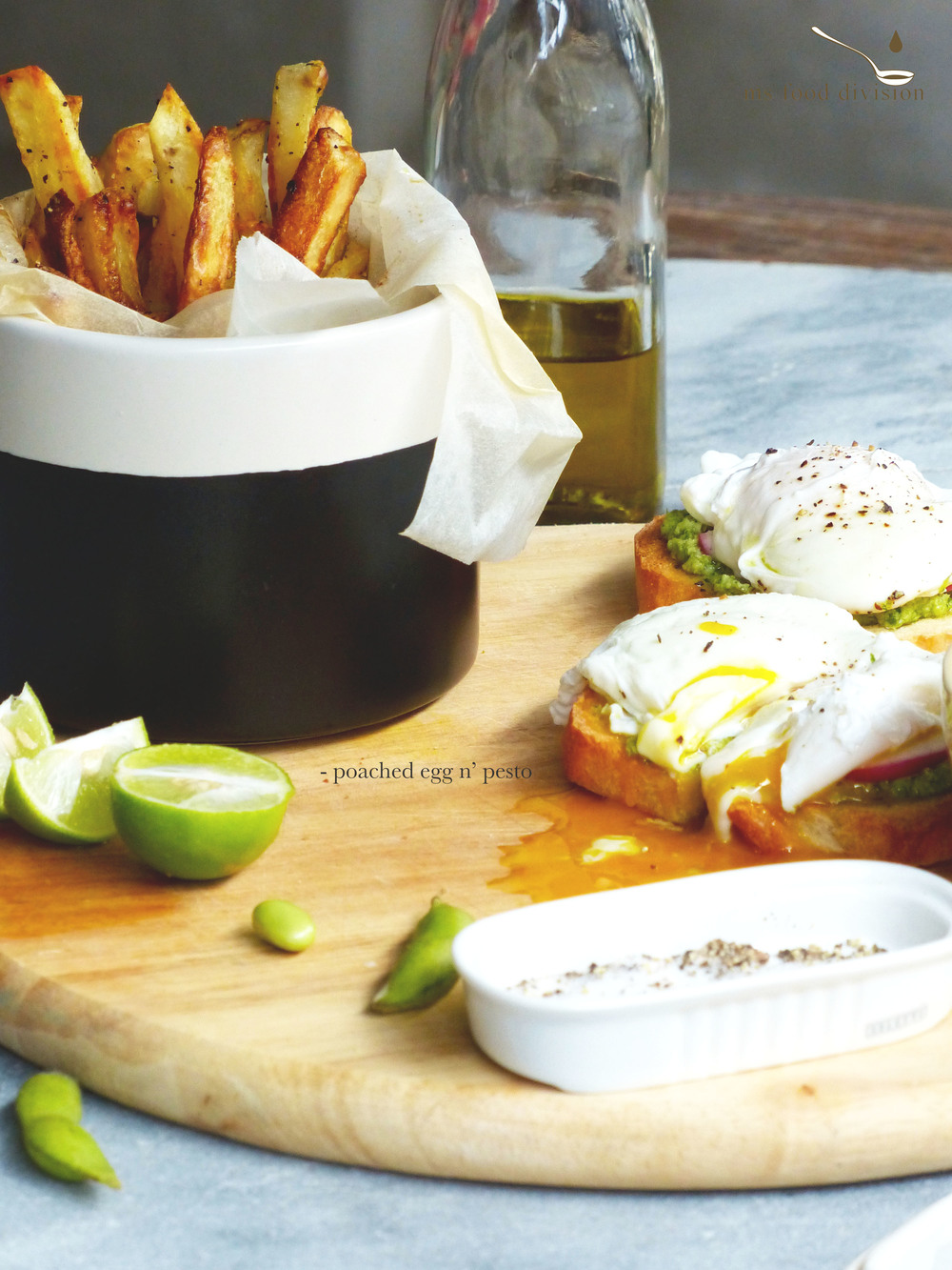 a simple egg sandwich with edamame pesto.. so refreshing..