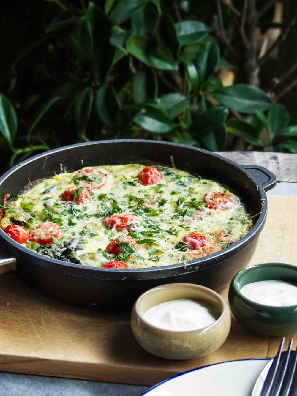 veggies frittata n' hash brown crust served with fresh lime aioli