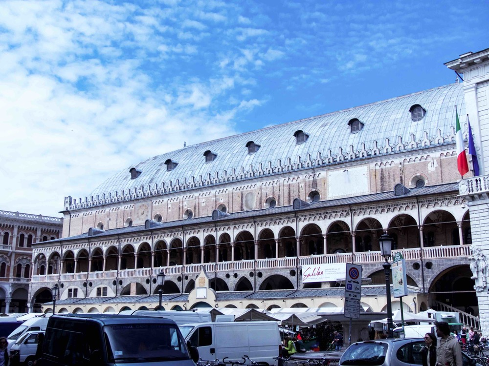 Il Salone e la Piazza is known as one of the ten best markets in Italy