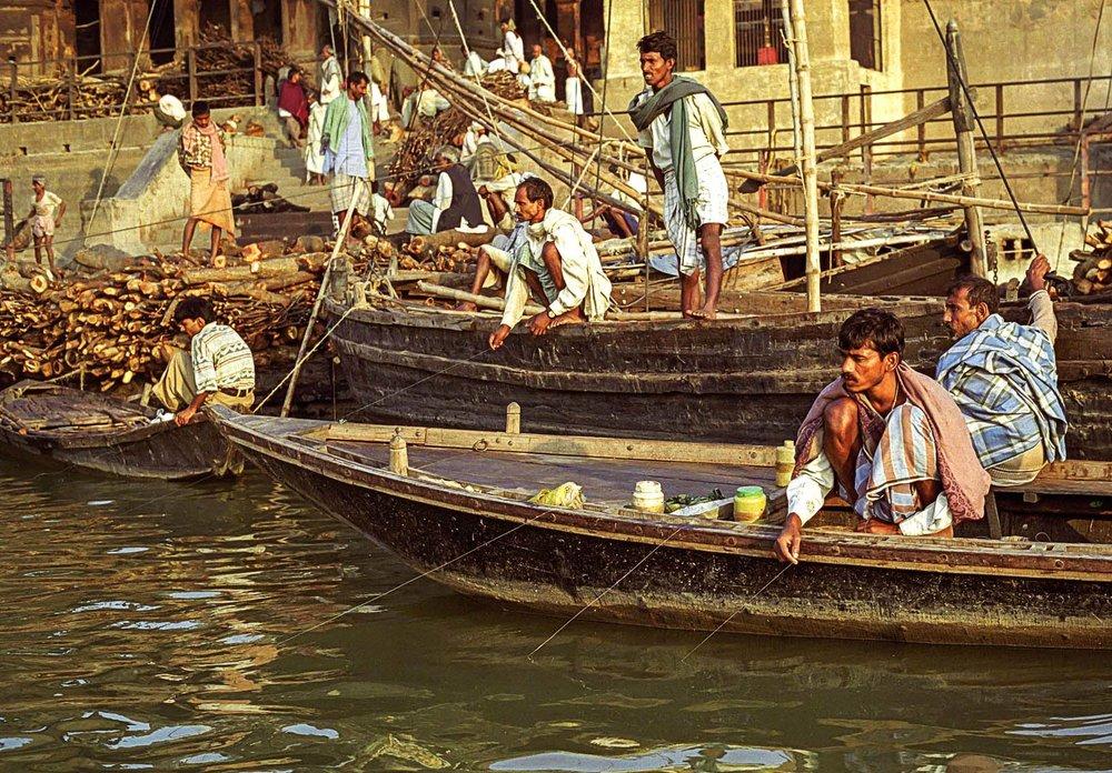 fishing on ganges.jpg