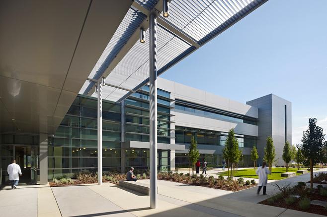 La 'University of California, Davis', uno de los centros que ha comenzado a impartir cursos sobre cannabis en Estados Unidos.