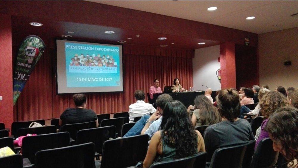 Una de las conferencias de 'Expocáñamo' ofrecida por la plataforma 'Regulación Responsable'.