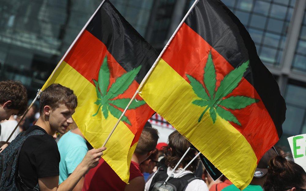 Manifestantes alemanes pidiendo la legalización del cannabis.