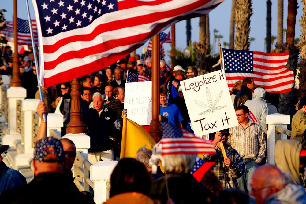 Manifestación en California por la legalización de la marihuana, antes de su aprobación.