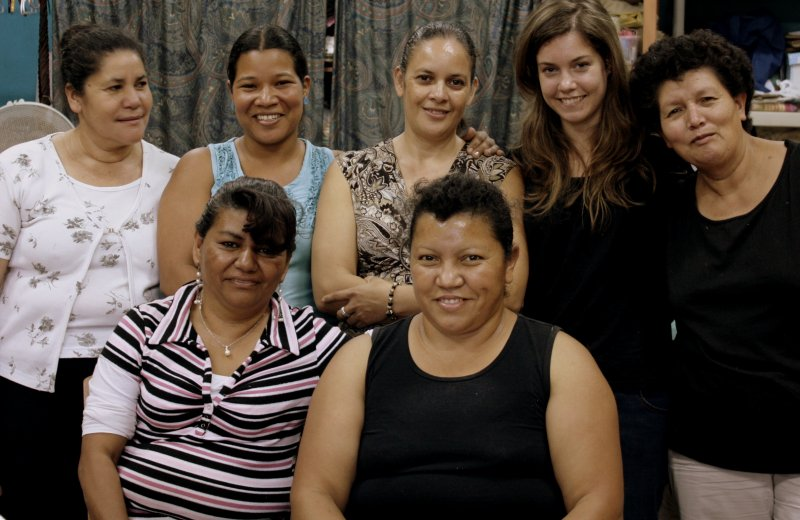 Liz with women who work at Mi Esperanza production house in Tegucigalpa, Honduras.