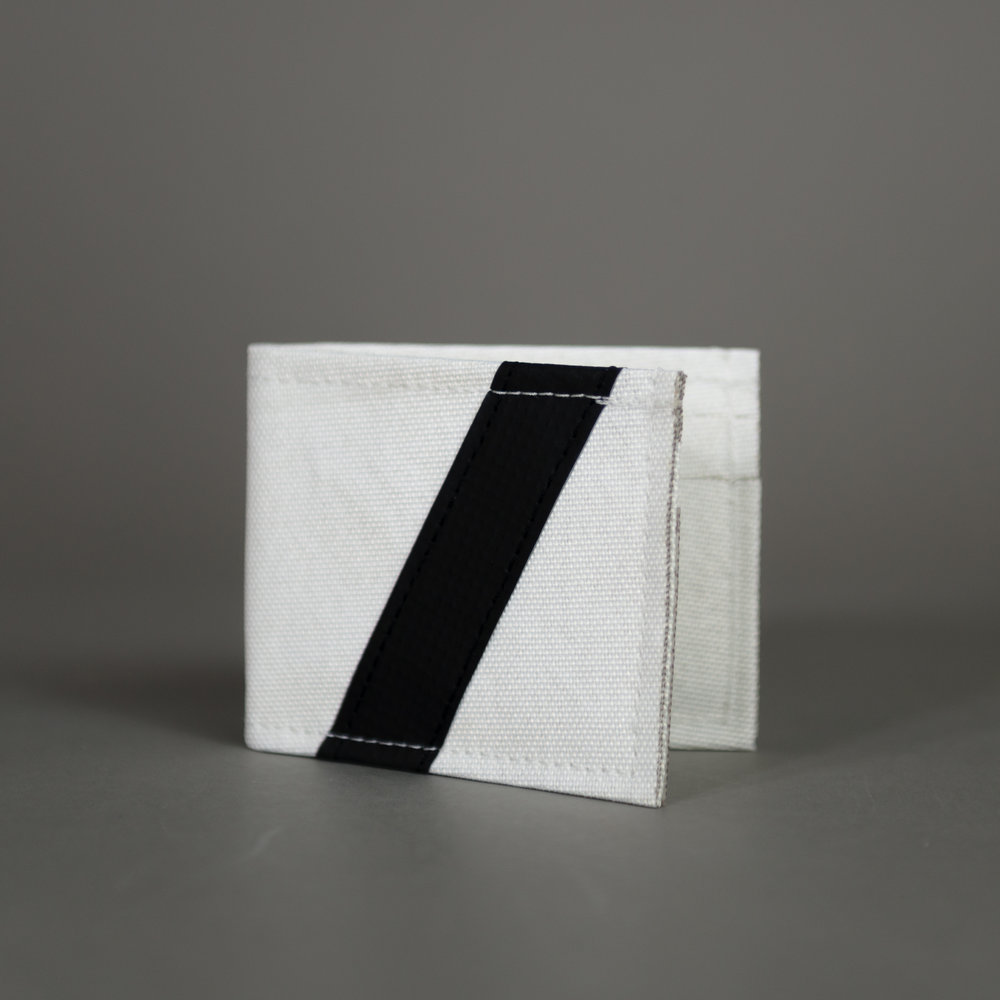 "CHIEF FLYING V - Bi-Fold Wallet Variants: White/Black/Red/Green/Blue/Orange Dims: 3.25""/4"" (folded)"