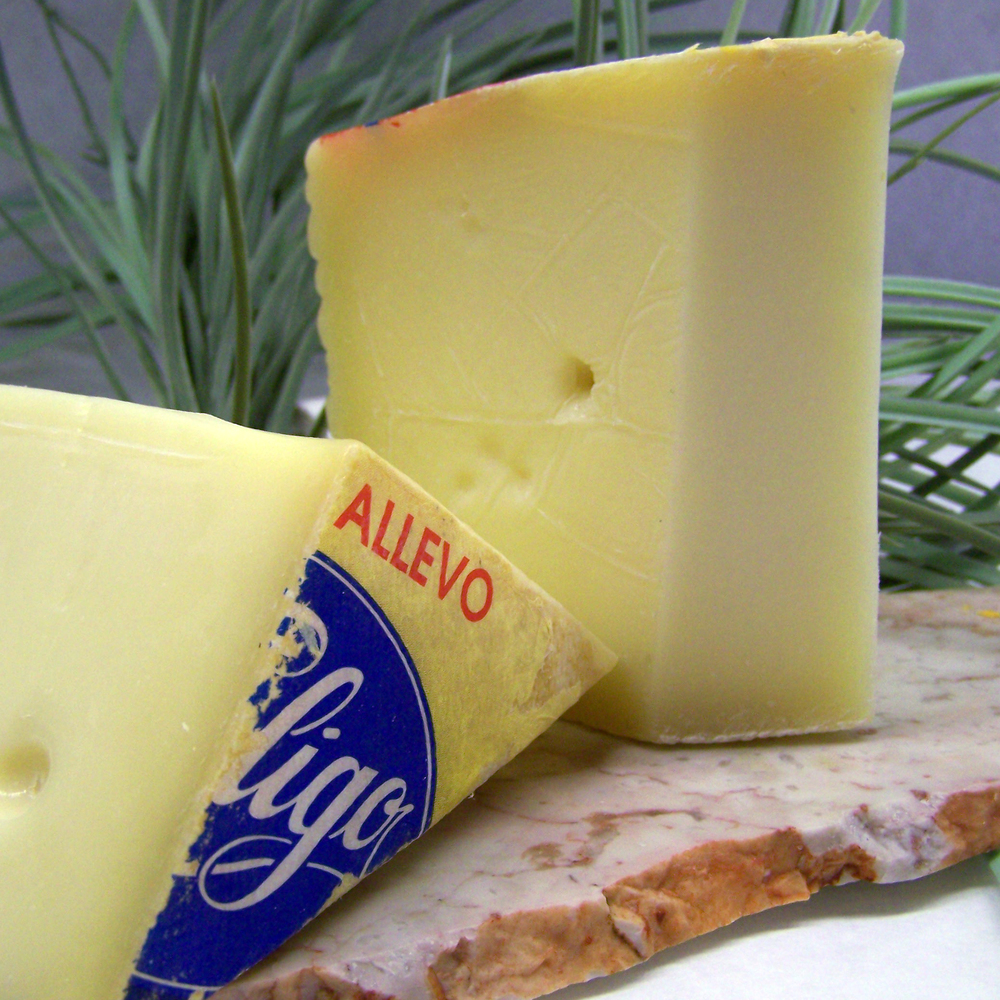 Asiago D' Allevo Raw Cow, 6 Mts. Italy