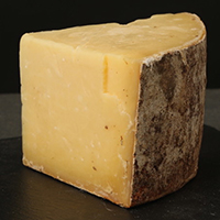 Cheddar, Flory's Truckle Raw Cow, 12 Mts. Missouri