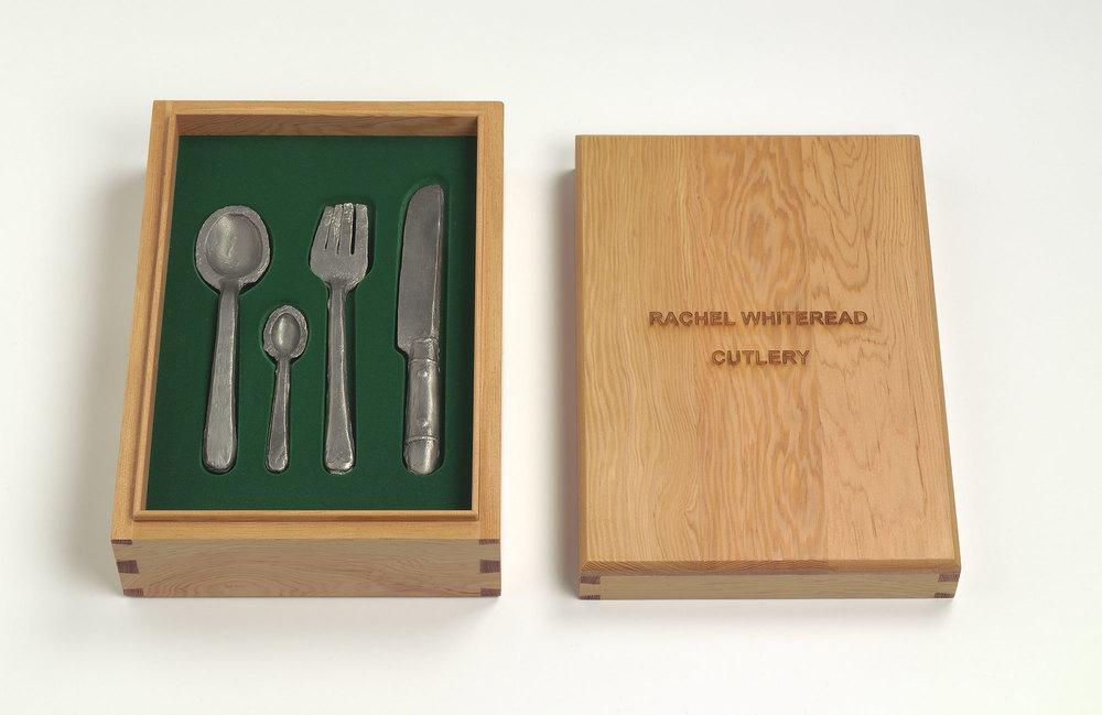 Rachel Whiteread  Cutlery • 2008 Aço inoxidável e madeira Edição: 25 12 x 23 x 33 cm