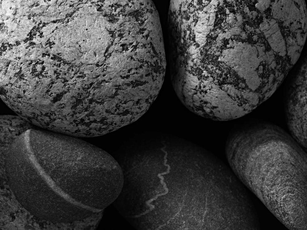 Pedras Pr 2  2014  Fotografia  imagem 67,5 x 90 cm/ com moldura 84,5 x 104,3 cm