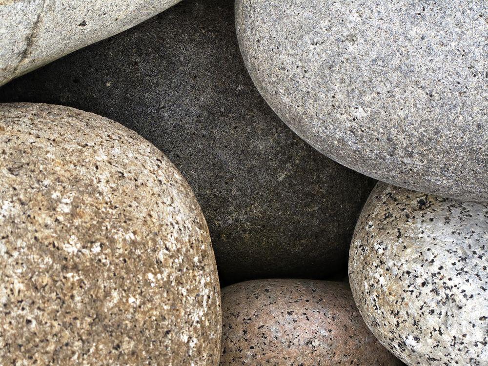 Pedras 4 cor   2014  fotografia  imagem: 66 x 89 cm/com moldura: 84 x 106,5 cm