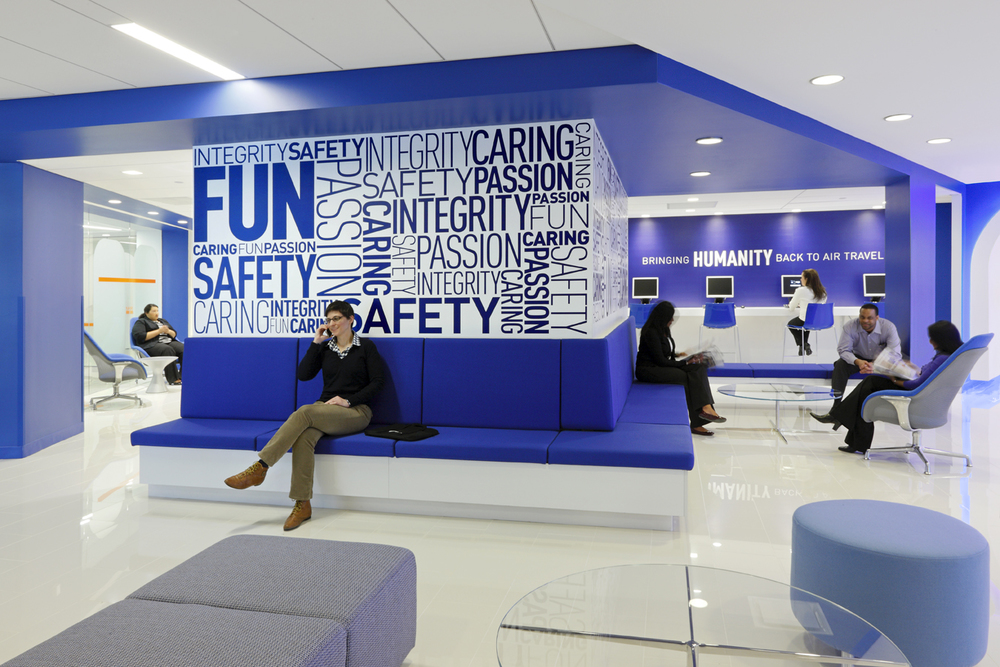 Featured project jetblue headquarters for Decoracion de oficinas modernas