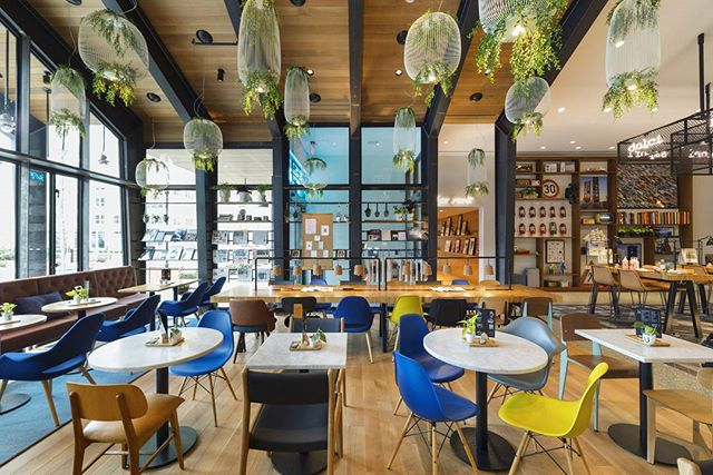 Urby's design puts emphasis on interaction between residents and between residents and the surrounding neighborhood. Instead of a traditional lobby, Jersey City Urby has an entrance café with its own barista who welcomes residents and visitors alike. The café, 9BAR, a local coffee shop, is surrounded by a variety of seating options, from communal tables to a cozy living room area. From the moment you step in the door, Urby is made to feel like home.