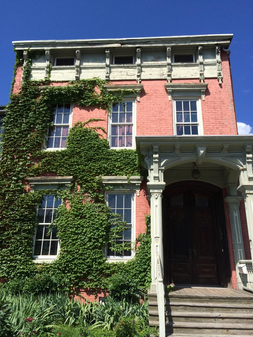 pink-house-hudson