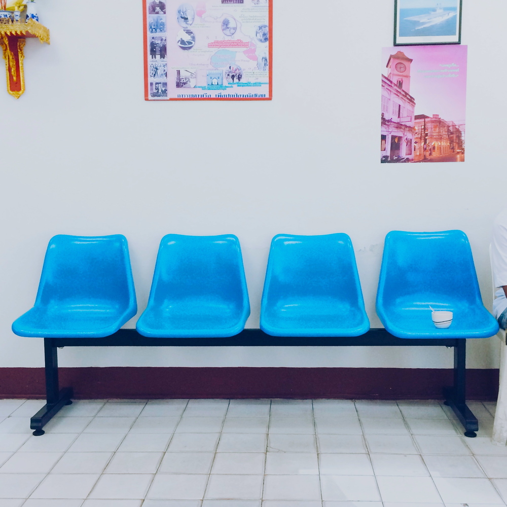phuket-town-blue-chairs