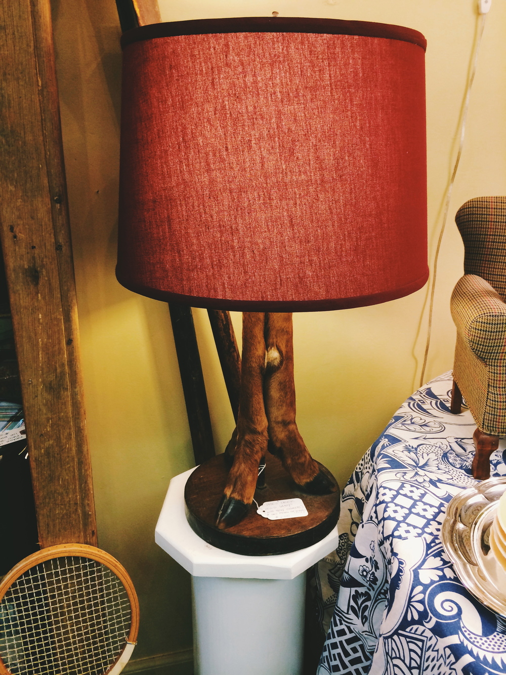 pawling-lamp-with-feet