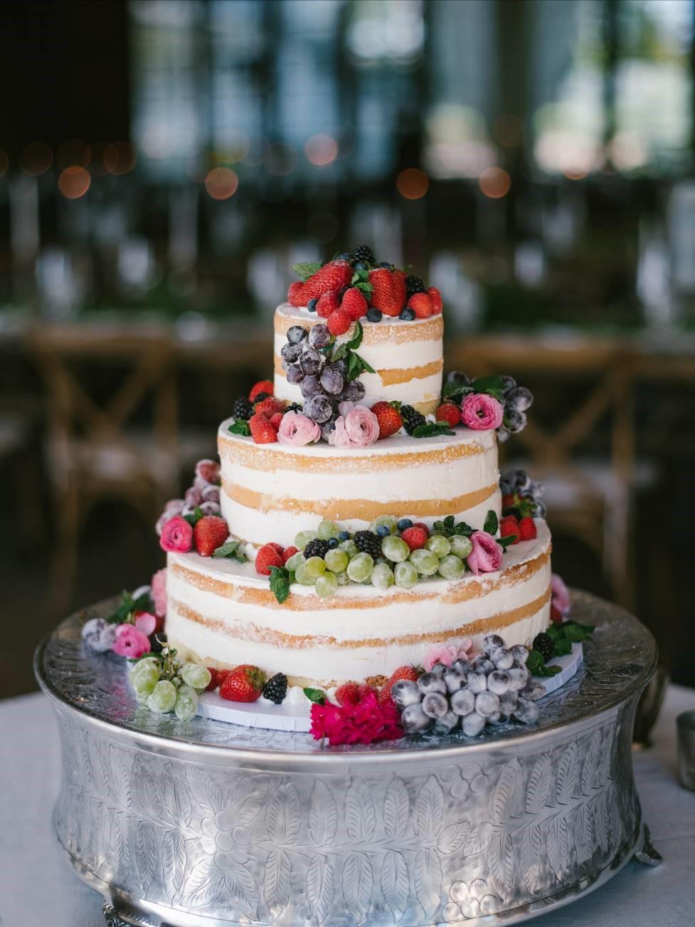 C_Weddings_EventoftheSeason_WeddingCake.jpg