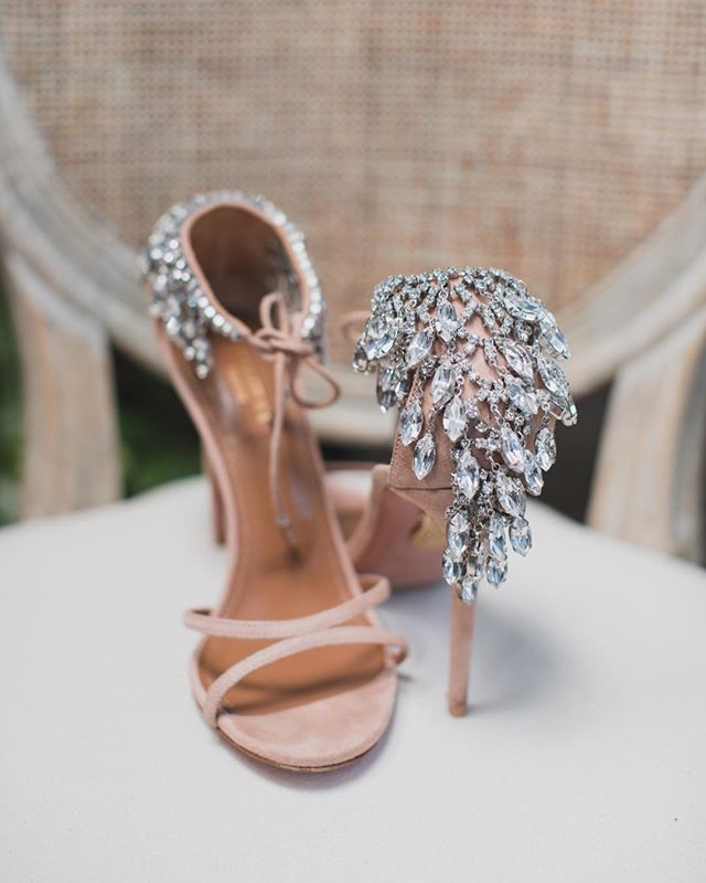 Love when brides add a chic, unexpected sparkle to the wedding day!  Photography: @lilyro_