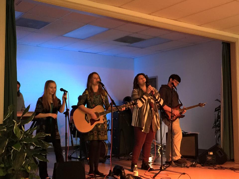Youth Worship Band 2015.jpg