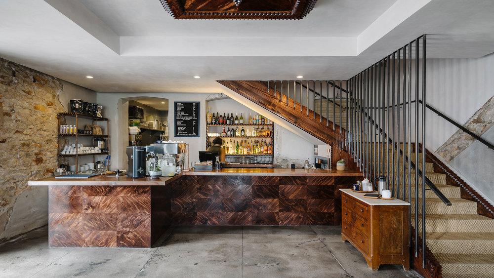 native hostel and bar & kitchen 03