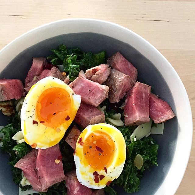 steak and eggs kale salad