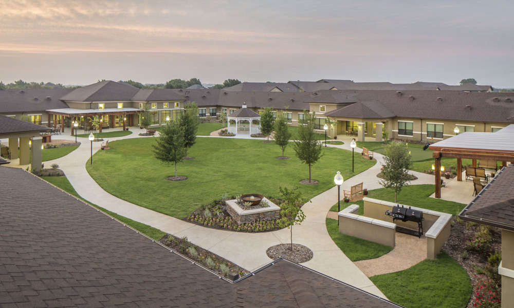 Pi Architects Silverado Fort Worth Memory Care Courtyard.jpg