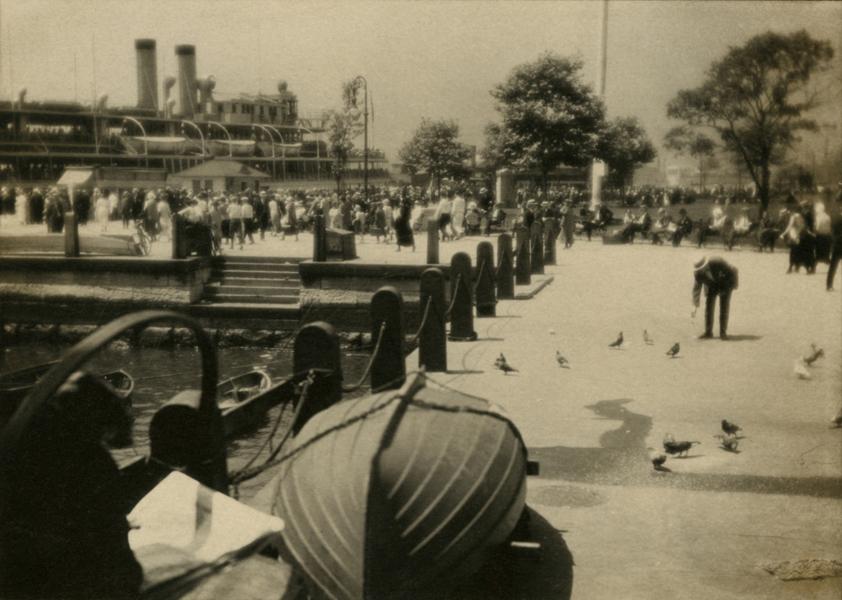 Sailing of the Mandalay, 1925-1930