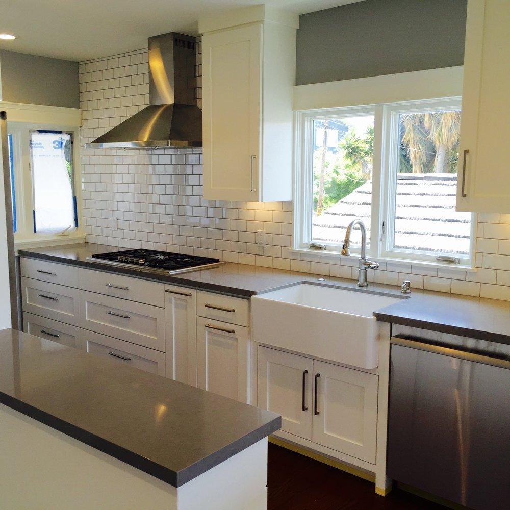 Imagine Your   Modern Kitchen    Start Here