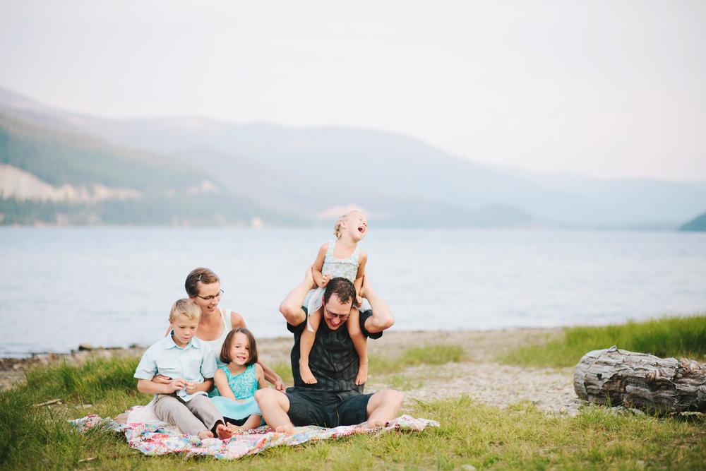 Janzen Family-1.jpg