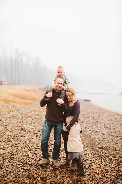 Hes Family-30.jpg