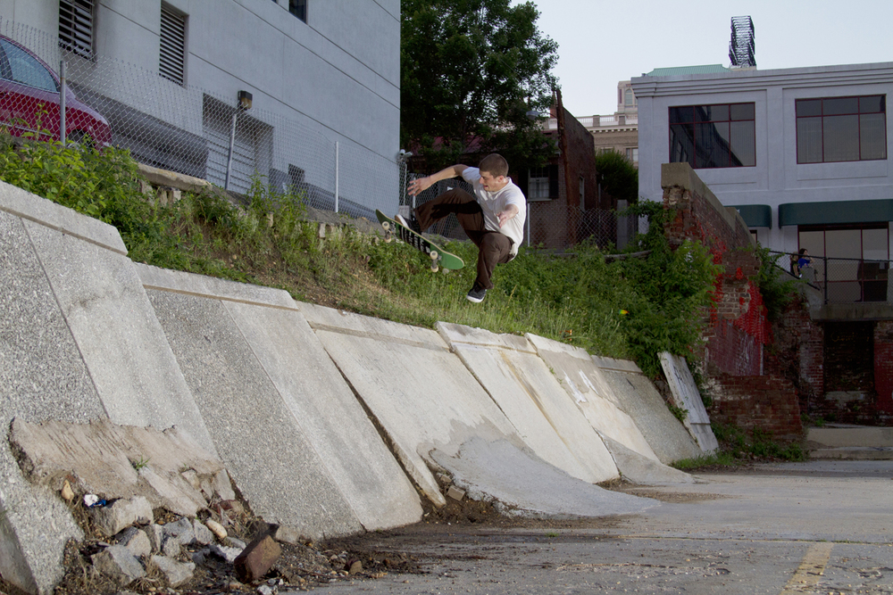 paul_tucci_no_comply_richmond.jpg