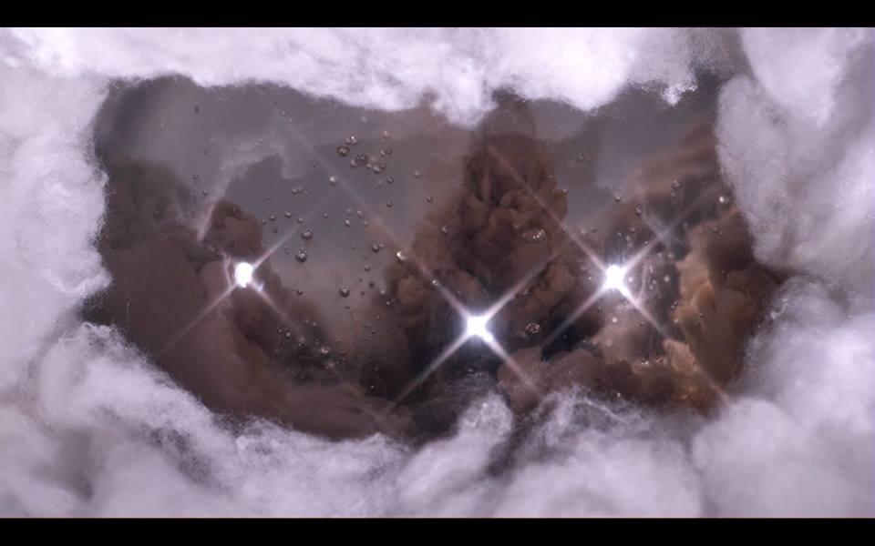 Gulliams- Medley 2014, is a video triptych .jpg