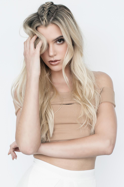 Alissa Violet (Model/Instagram Comedian)
