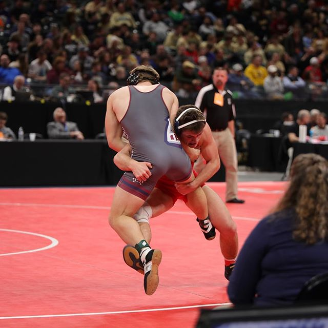 Huge CONGRATS to Jalen Morgan in making it to Saturday at the IHSAA State Wrestling Finals! #elwoodpanthers #bankerslifefieldhouse #ihsaastatewrestlingfinals