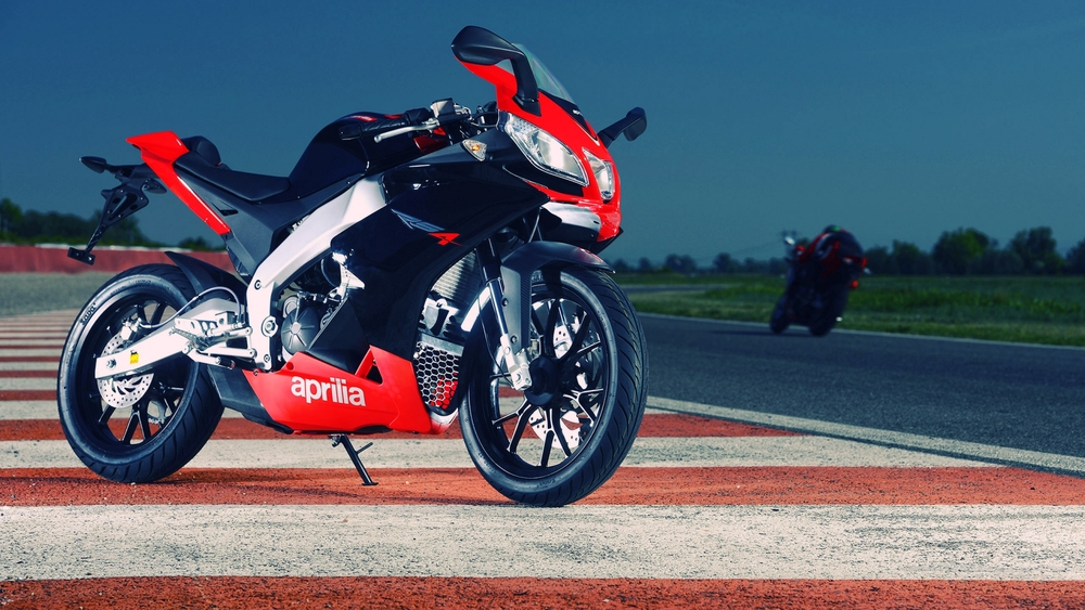 aprilia-125cc-sportbike-wallpaper-for-1920x1080-hdtv-1080p-78-15.jpg