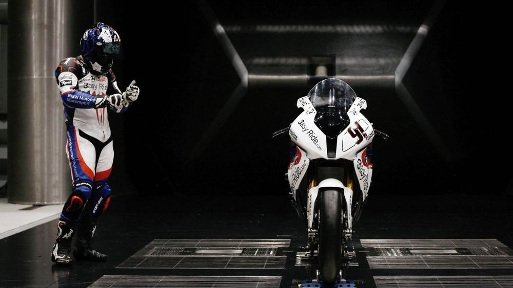Sportbike-Pilot-Motorcycle-Sport-1080x1920.jpg