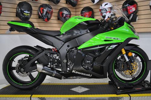 2014 Kawasaki Ninja ZX-10R — Onyx Moto