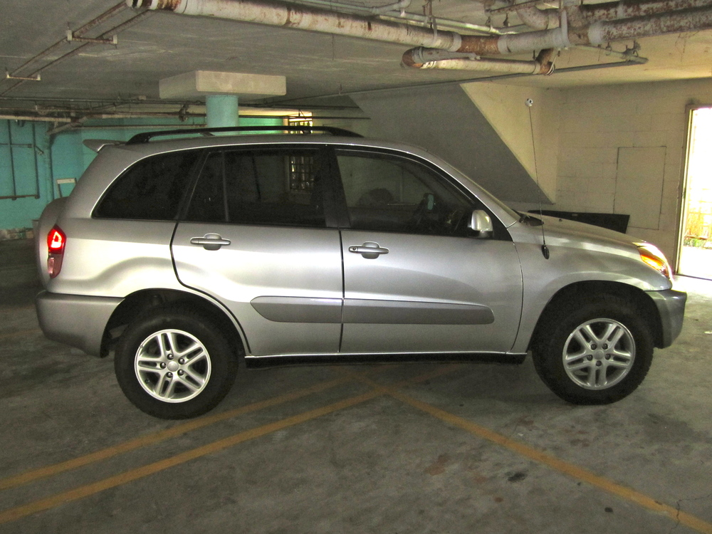 photo of Woody Harrelson Toyota RAV4 - car
