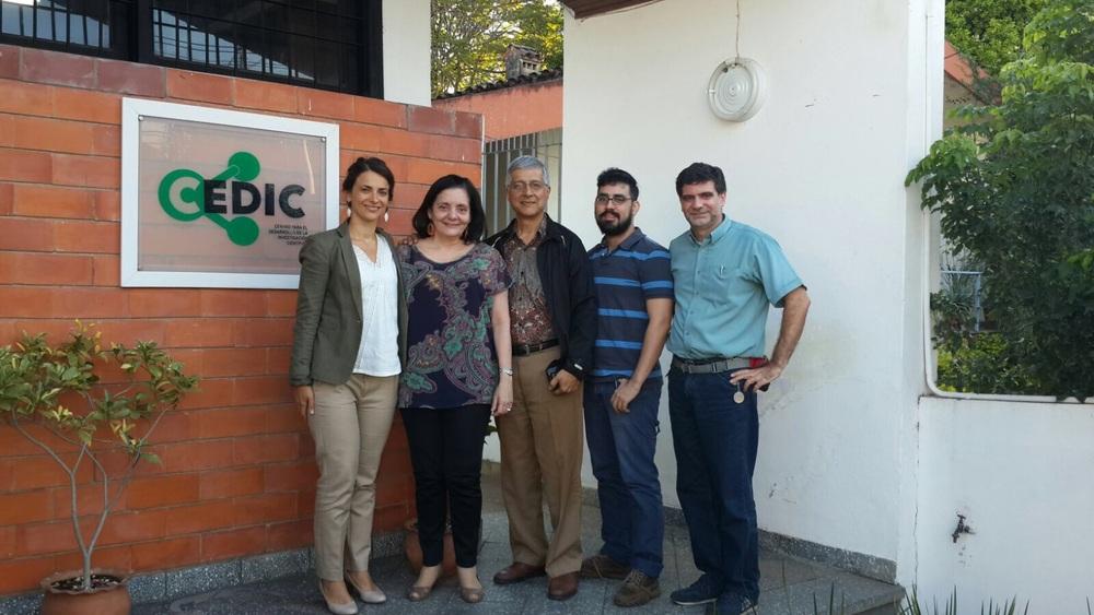Lilian Chamas, Antonieta Rojas de Arias, y de FPUNA Santiago Gomez, Luis Rodríguez y Christian Schaerer