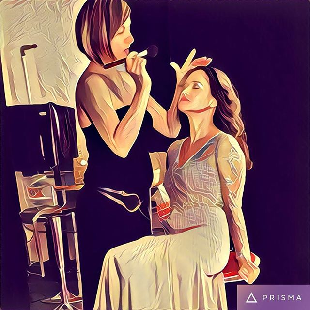When you don't like the face your making but it's one of those photos of you working so you feel like you have to post it...#prisma -yourself. 😁