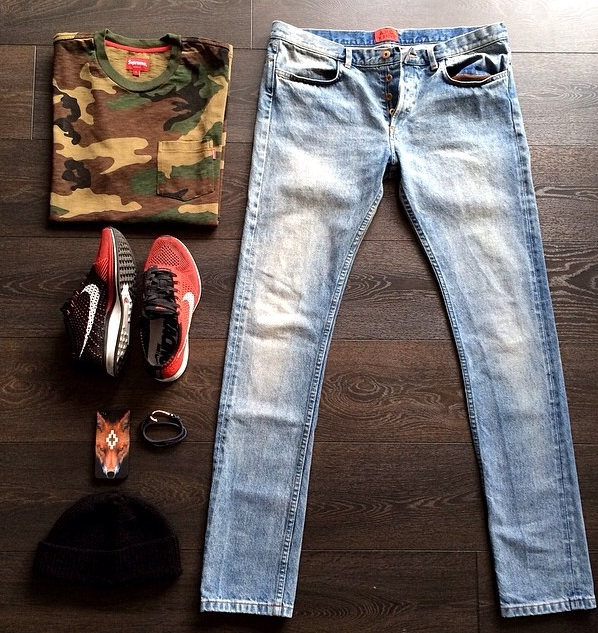@Sandroisfree APC Kanye denim , Nike  flynit racers , Supreme camo tee and accessories .