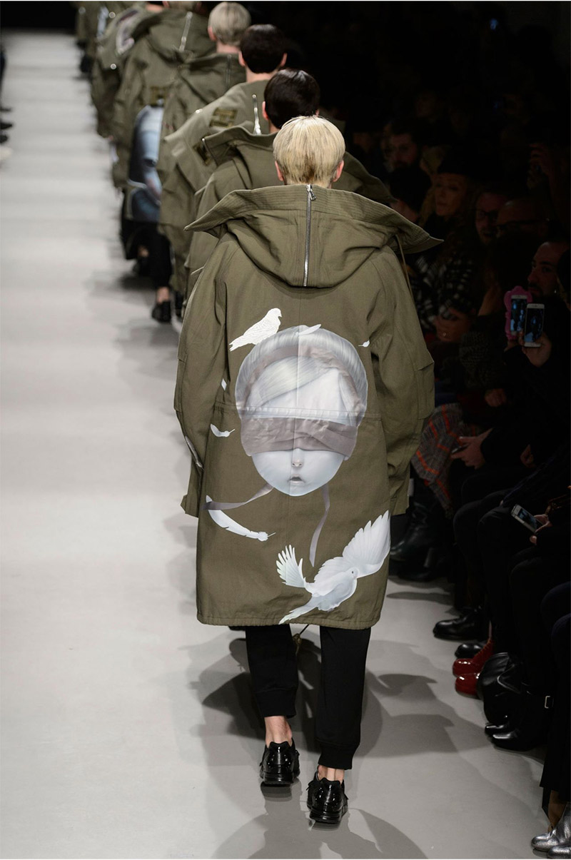 Juun J made use of the olive colorway in its FW15 show.