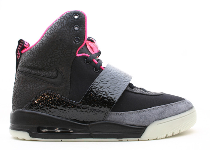nike-air-yeezy-black-black-090058_1.jpg