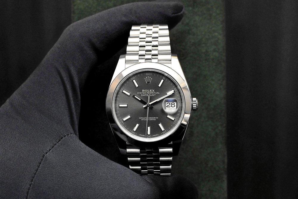 Rolex-Datejust-41-Steel-Dark-Rhodium-Dial-cover-thumb-2047x1365-33707.jpg