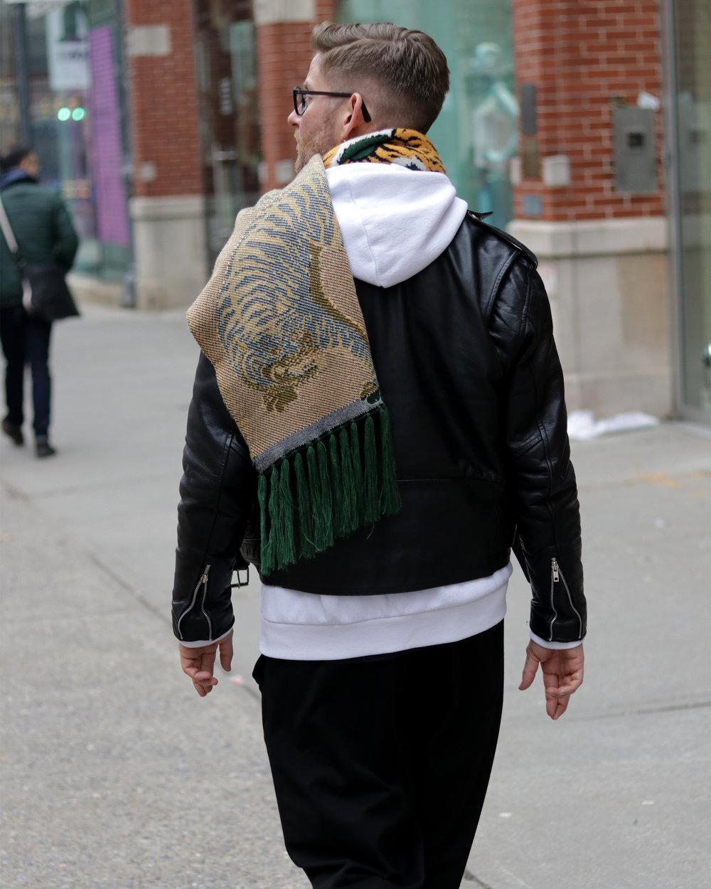 tigerscarf.jpg
