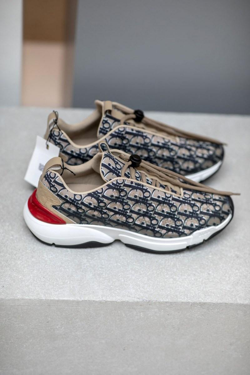dior-ss19-sneakers10-800x1200.jpg
