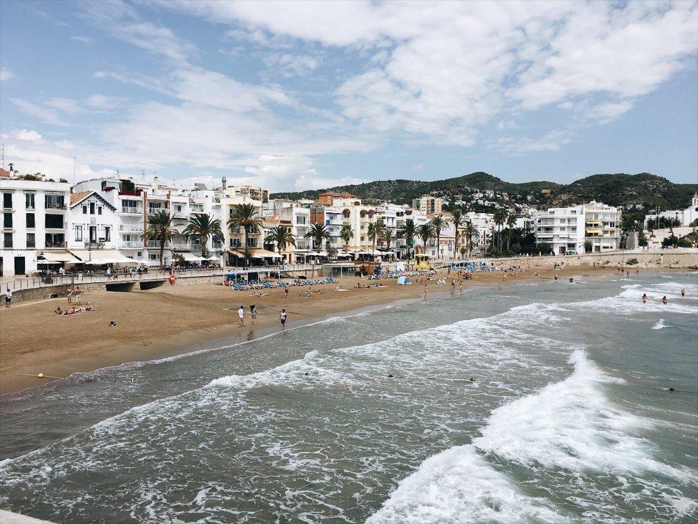923b4-seesoomuch_sitges_spain_beachseesoomuch_sitges_spain_beach.jpg